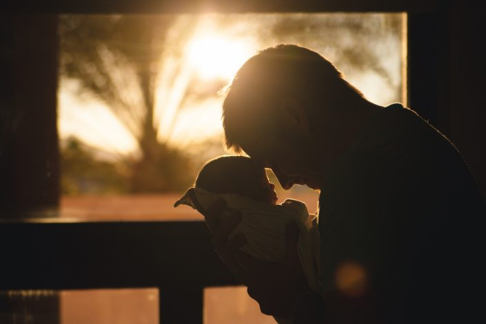 father getting ready to attend bringing baby home workshop